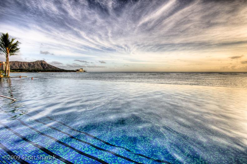 sheraton waikiki infinity pool hawaii 25 Stunning Infinity Pools Around the World