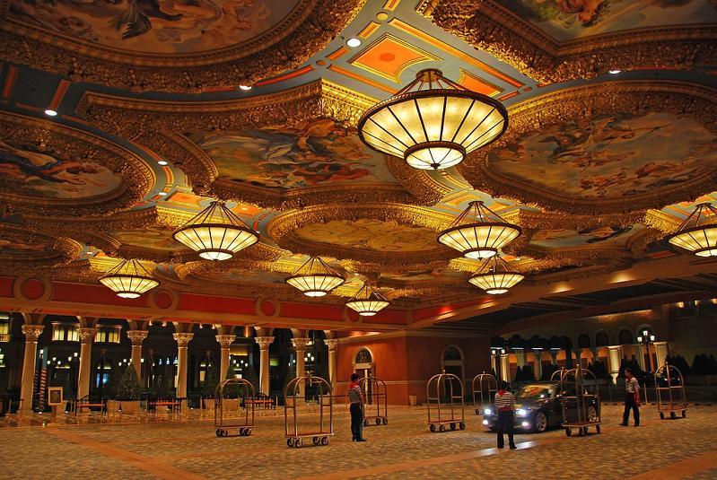 Used Trucks Las Vegas >> The World's Largest Casino – Venetian Macao «TwistedSifter