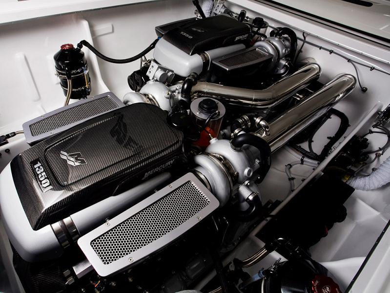 1 2 million 1 350 hp mercedes benz sls amg cigarette boat for Mercedes benz marine engines