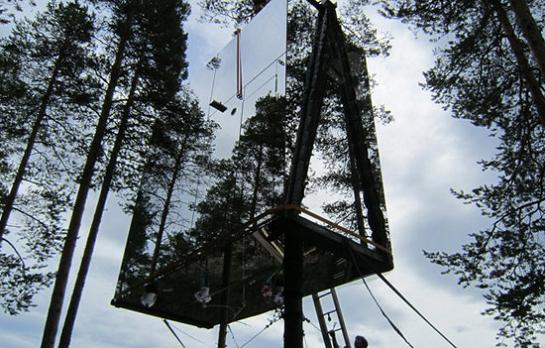 mirrored tree house in sweden The Mirrorcube Treehotel in Sweden