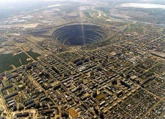The Largest Open Pit Diamond Mine in the World «TwistedSifter