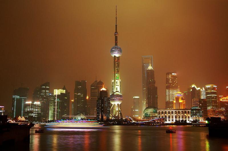 shanghai china skyline 15 Spectacular Skylines Around the World