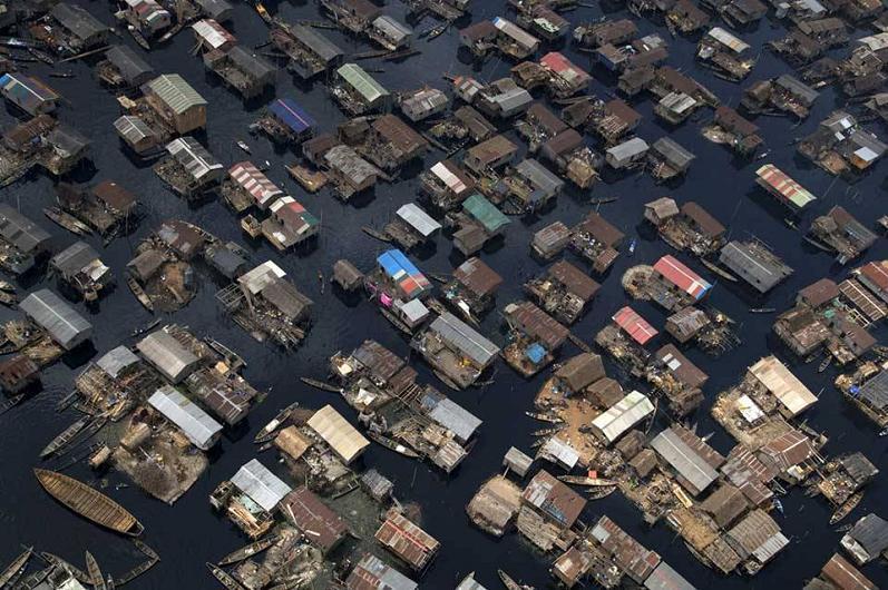barco-casas-lagos-nigeria-aérea
