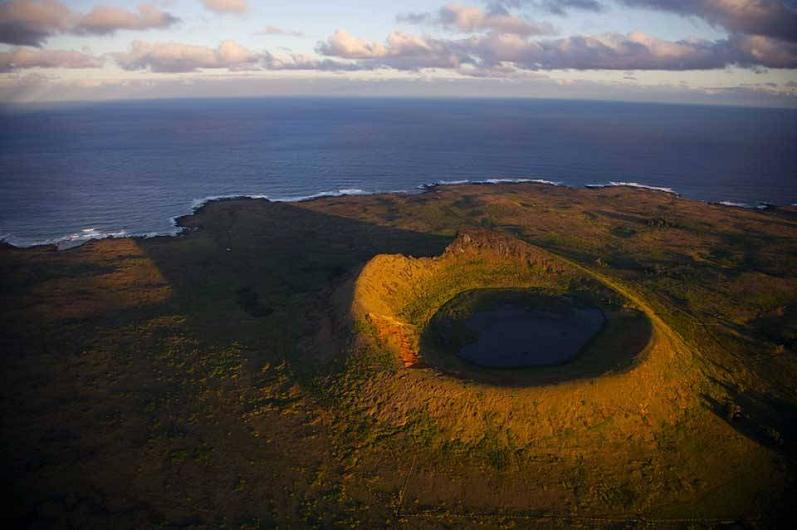 easter island chile aerial yann arthus bertrand The Incredible Aerial Photography of Yann Arthus Bertrand [25 pics]