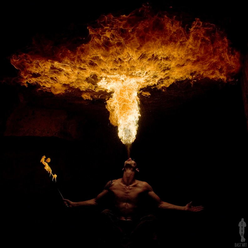 fire eater spitting fire out of mouth Picture of the Day: Spit Hot FIre