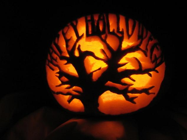 happy halloween pumpkin 25 Mind Blowing Halloween Pumpkins