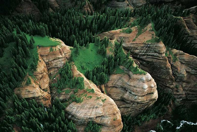 mountains aerial jengish kyrgyzstan The Incredible Aerial Photography of Yann Arthus Bertrand [25 pics]