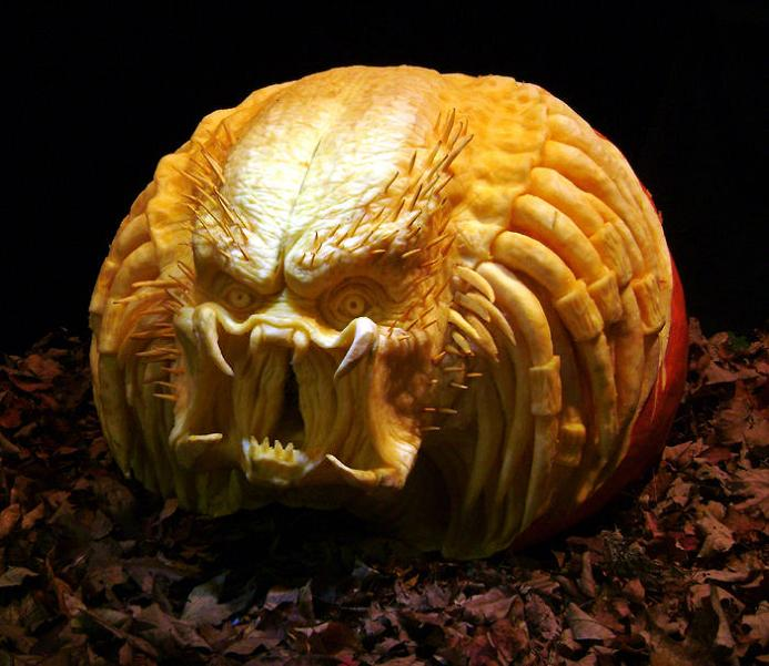 Nice Awesome Halloween Pumpkins Part - 9: Predator Pumpkin Carving 25 Mind Blowing Halloween Pumpkins