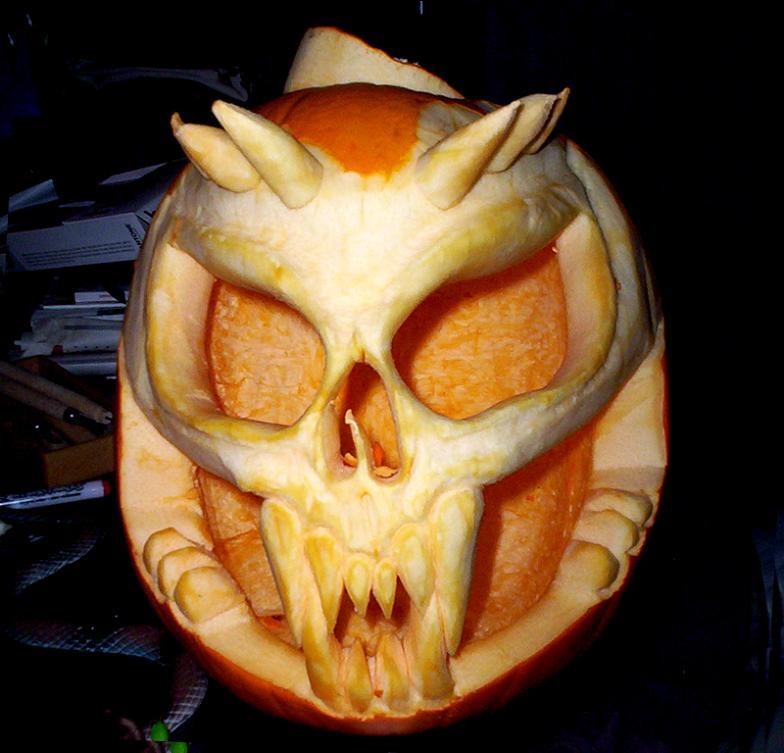 skull pumpkin 25 Mind Blowing Halloween Pumpkins