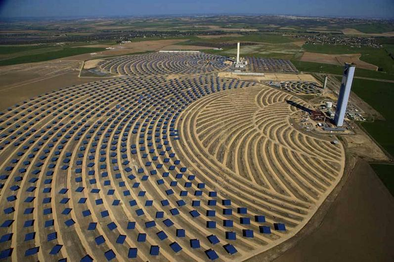 solar plant andalusia spain aerial yann arthus bertrand The Incredible Aerial Photography of Yann Arthus Bertrand [25 pics]