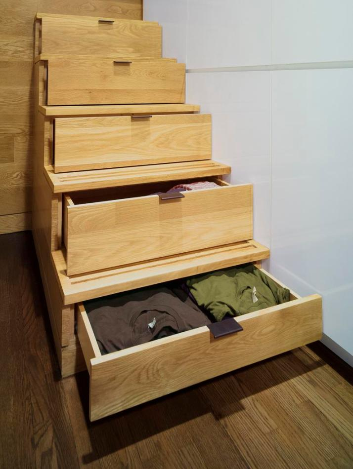 stairs-with-storage-drawers-space-saver