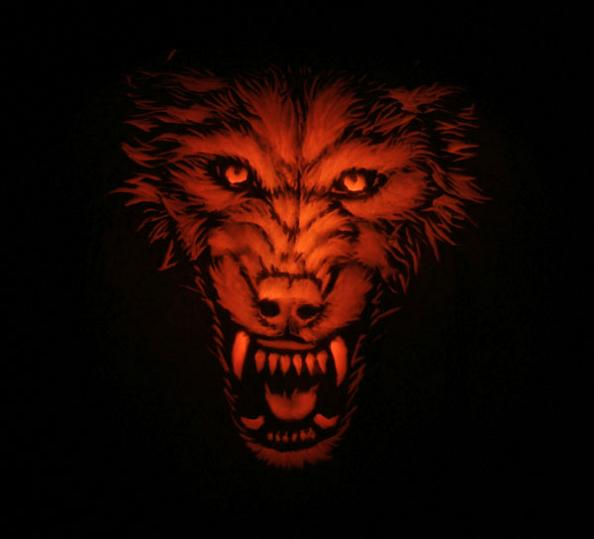 wolf pumpkin 25 Mind Blowing Halloween Pumpkins