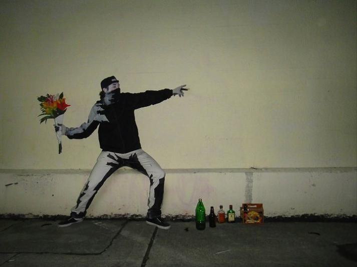 banksy funny halloween costume 23 Funny and Creative Halloween Costumes