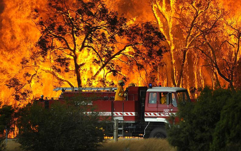 brushfire victoria australia Natures Fury: 30 Chilling Photos of Natural Hazards