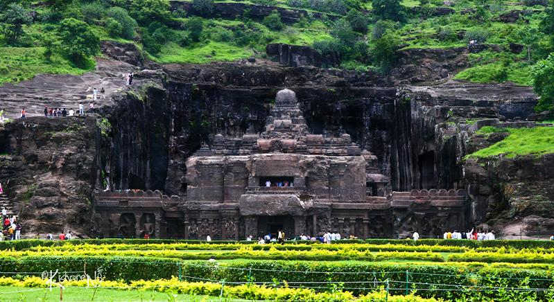 ellora caves india mountain temples 17 The Ellora Caves: Cliff Temples of India [25 pics]