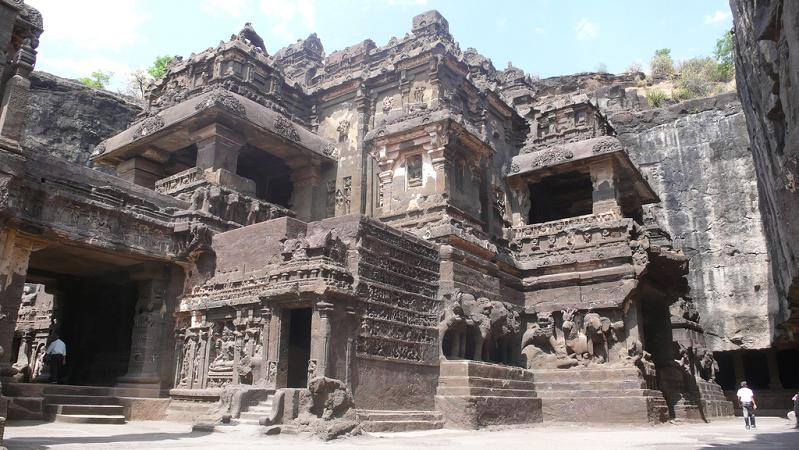 ellora caves india mountain temples 4 The Ellora Caves: Cliff Temples of India [25 pics]