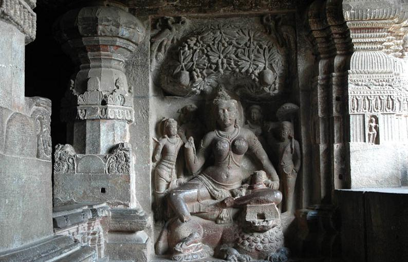 ellora caves india mountain temples 6 The Ellora Caves: Cliff Temples of India [25 pics]