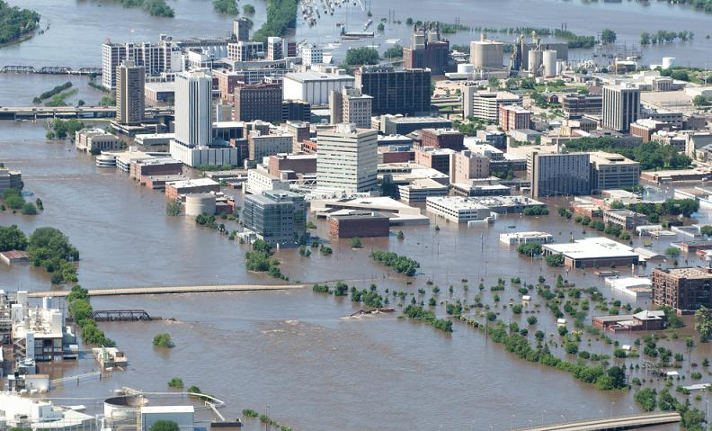 flooding iowa 2008 Natures Fury: 30 Chilling Photos of Natural Hazards