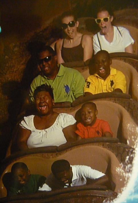 funny splash mountain scared 21 Hilarious Pics from Disney Worlds Splash Mountain