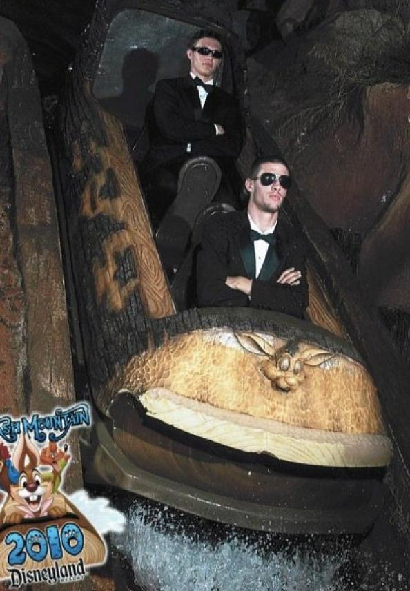 funny splash mountain suits 21 Hilarious Pics from Disney Worlds Splash Mountain