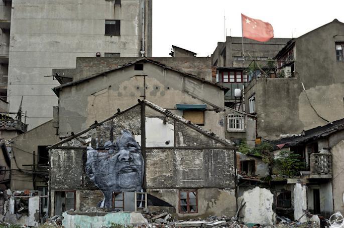 jr street art big photographs 2011 ted prize winner 16 2011 TED Prize Winner: Street Artist JR [40 pics]