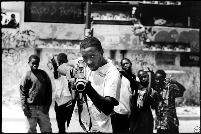jr street art big photographs 2011 ted prize winner 27 2011 TED Prize Winner: Street Artist JR [40 pics]