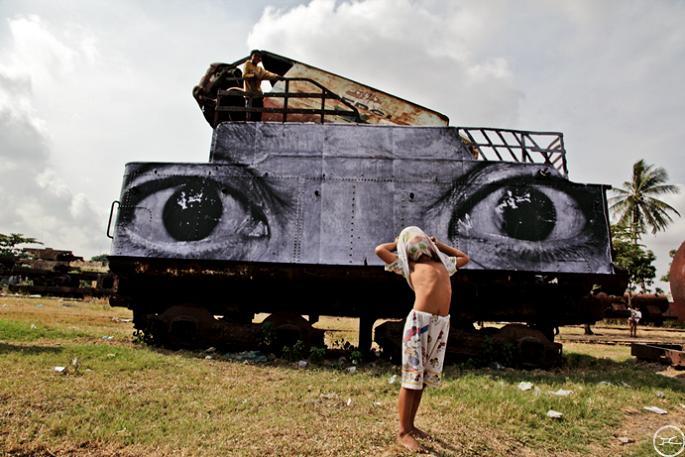 jr street art big photographs 2011 ted prize winner 37 2011 TED Prize Winner: Street Artist JR [40 pics]