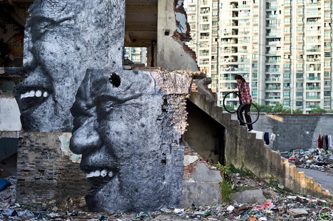 jr street art big photographs 2011 ted prize winner 8 2011 TED Prize Winner: Street Artist JR [40 pics]