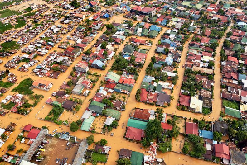 manila flooding typhoon ketsana Natures Fury: 30 Chilling Photos of Natural Hazards
