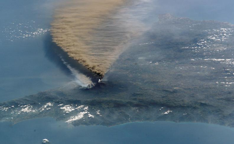 mt etna eruption volcano Natures Fury: 30 Chilling Photos of Natural Hazards