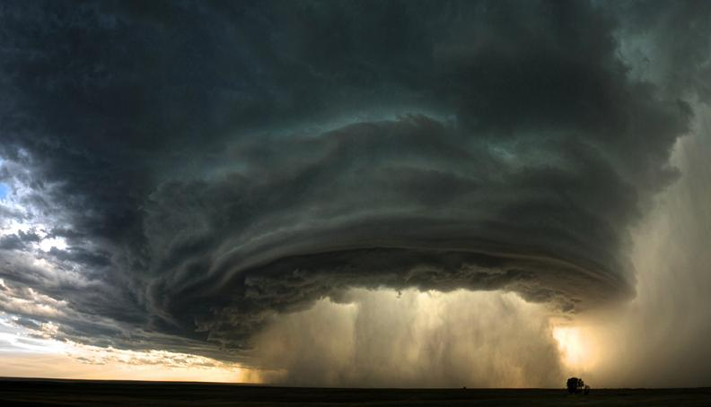 supercell thunderstorm Natures Fury: 30 Chilling Photos of Natural Hazards