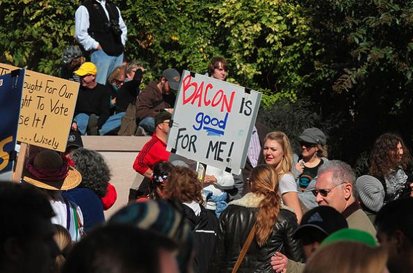 are demonstrations beneficial Here is a list of demonstrative speech topics demonstrative is defined as involving a demonstration and also includes the use of scientific means to provide that.