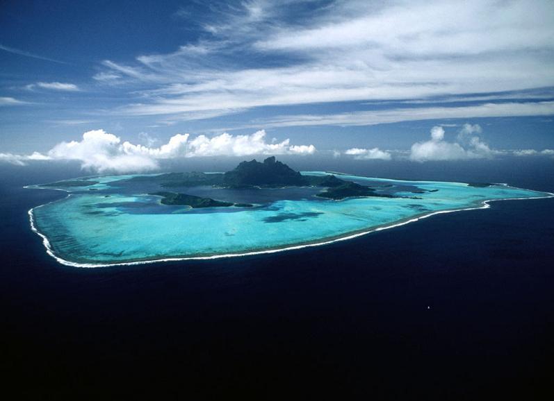 bora bora french polynesia 10 25 Stunning Photographs of Bora Bora