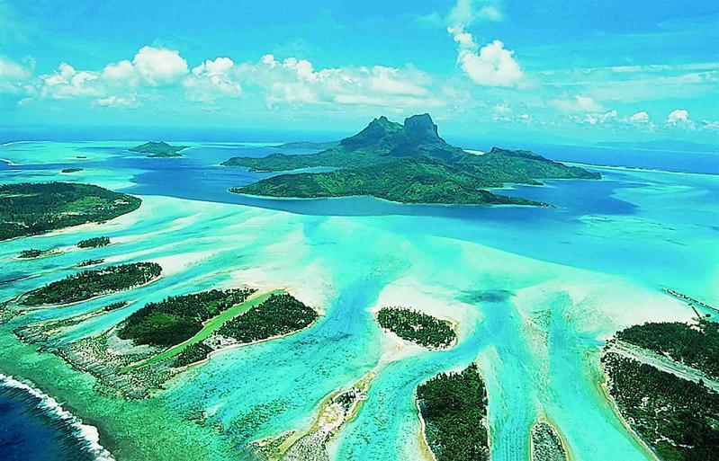 bora bora french polynesia 26 25 Stunning Photographs of Bora Bora