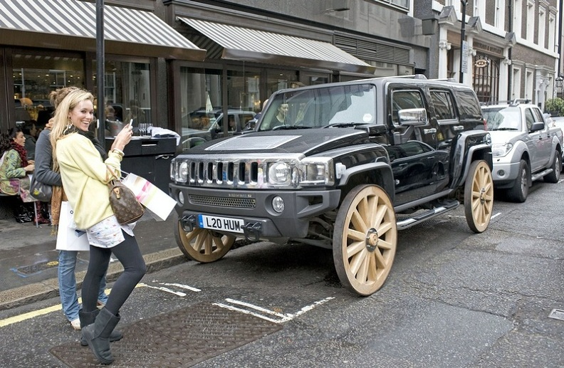 Picture of the Day: This Hummer Has Wooden Wheels!