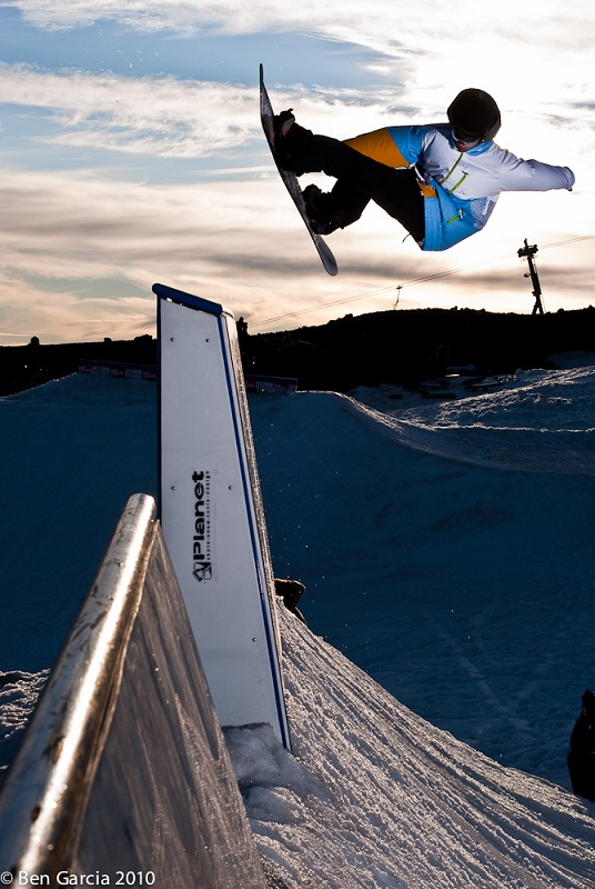 indy grab snowboard The 5 Essential Snowboard Grabs [20 Pics]