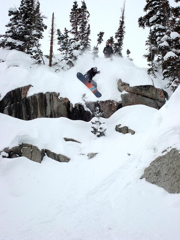mute grab snowboarding The 5 Essential Snowboard Grabs [20 Pics]