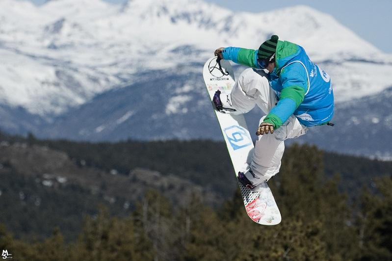 nose-grab-snowboarding