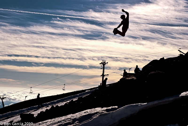 perfect method air The 5 Essential Snowboard Grabs [20 Pics]