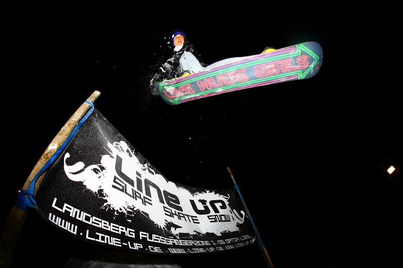 tail grab boarding The 5 Essential Snowboard Grabs [20 Pics]