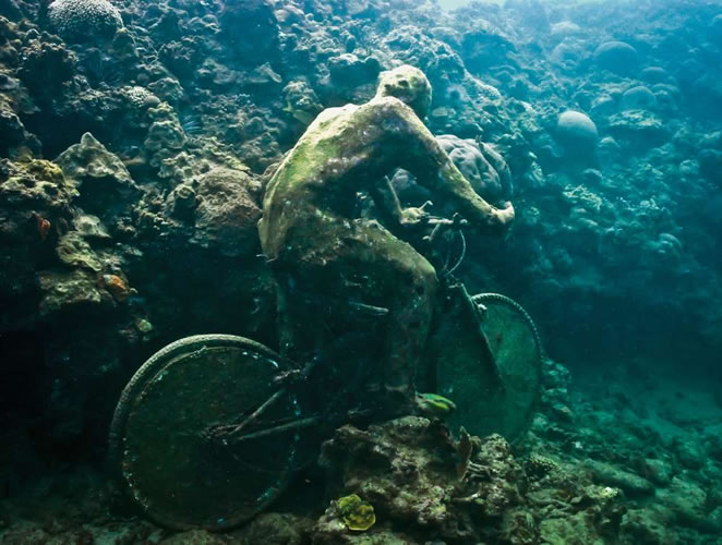 underwater sculptures artist jason decaires taylor artificial reefs 1 Astonishing Underwater Sculptures by Jason deCaires Taylor [30 pics]