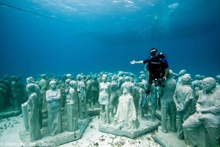 underwater sculptures artist jason decaires taylor artificial reefs 14 Astonishing Underwater Sculptures by Jason deCaires Taylor [30 pics]