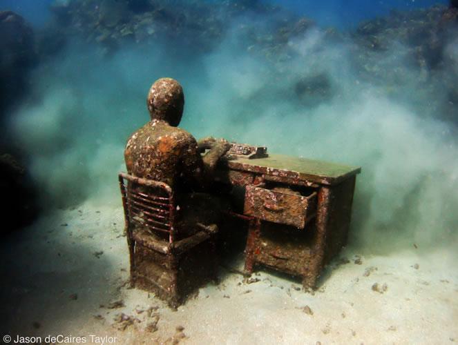 underwater sculptures artist jason decaires taylor artificial reefs 24 Astonishing Underwater Sculptures by Jason deCaires Taylor [30 pics]