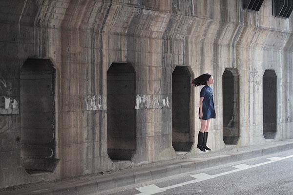 japanese girl levitates natsumi hayashi 17 Natsumi Hayashi: A Life of Levitation [25 pics]