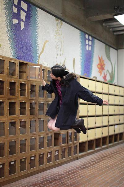 japanese girl levitates natsumi hayashi 18 Natsumi Hayashi: A Life of Levitation [25 pics]