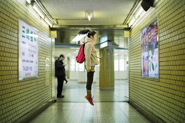 japanese girl levitates natsumi hayashi 24 Natsumi Hayashi: A Life of Levitation [25 pics]