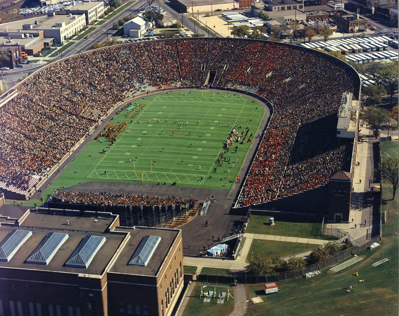 minnesota memorial stadium aerial 25 Incredible Aerial Photos of Stadiums Around the World