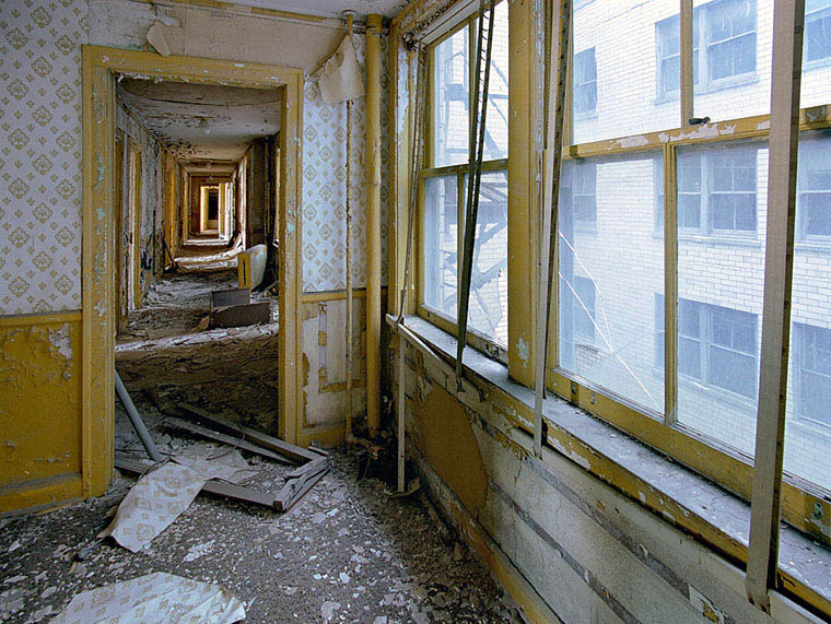 ruins of detroit yves marchand romain meffre 10 The Ruins of Detroit
