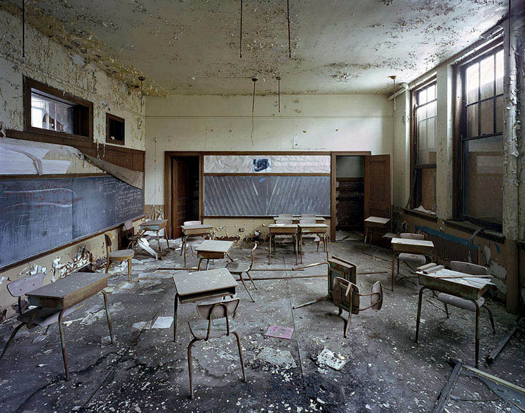 ruins-of-detroit-yves-marchand-romain-meffre-11
