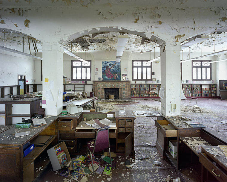 ruins of detroit yves marchand romain meffre 15 The Ruins of Detroit